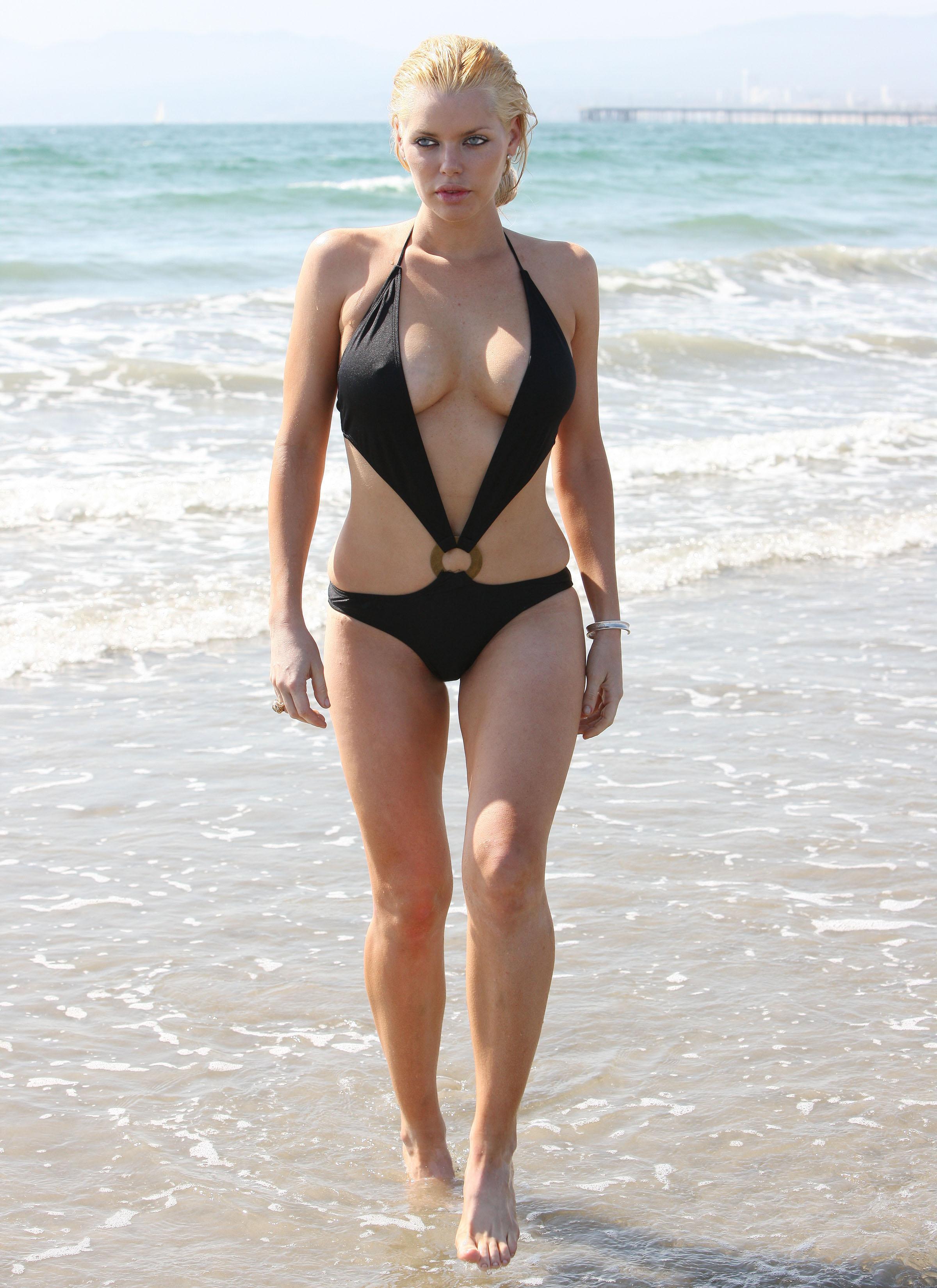 Светлана ходченкова фото на пляже
