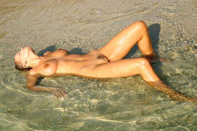 частные фото голыхдевушек на пляже
