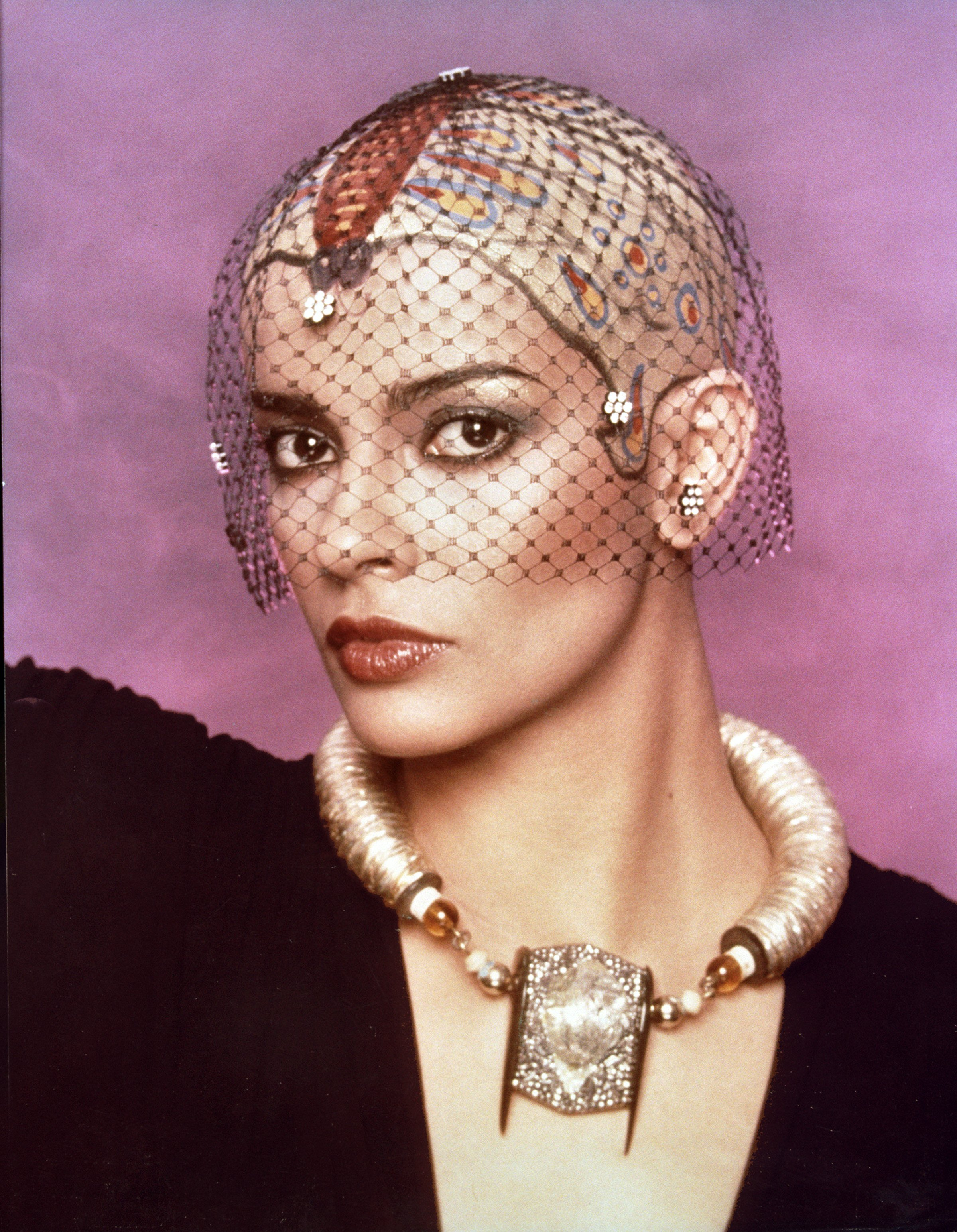 persis khambatta net worth