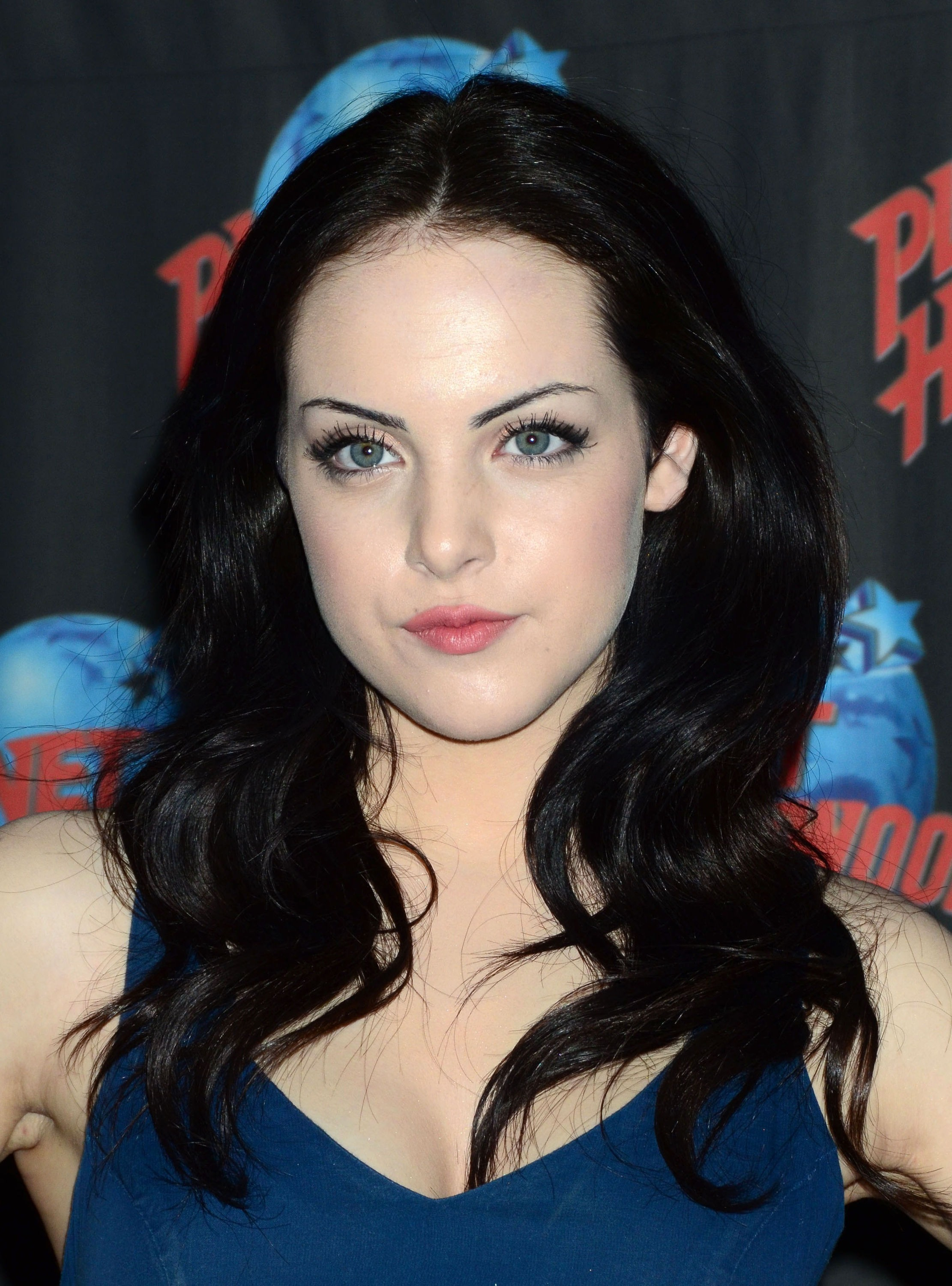 2011 Elizabeth Gillies Hot
