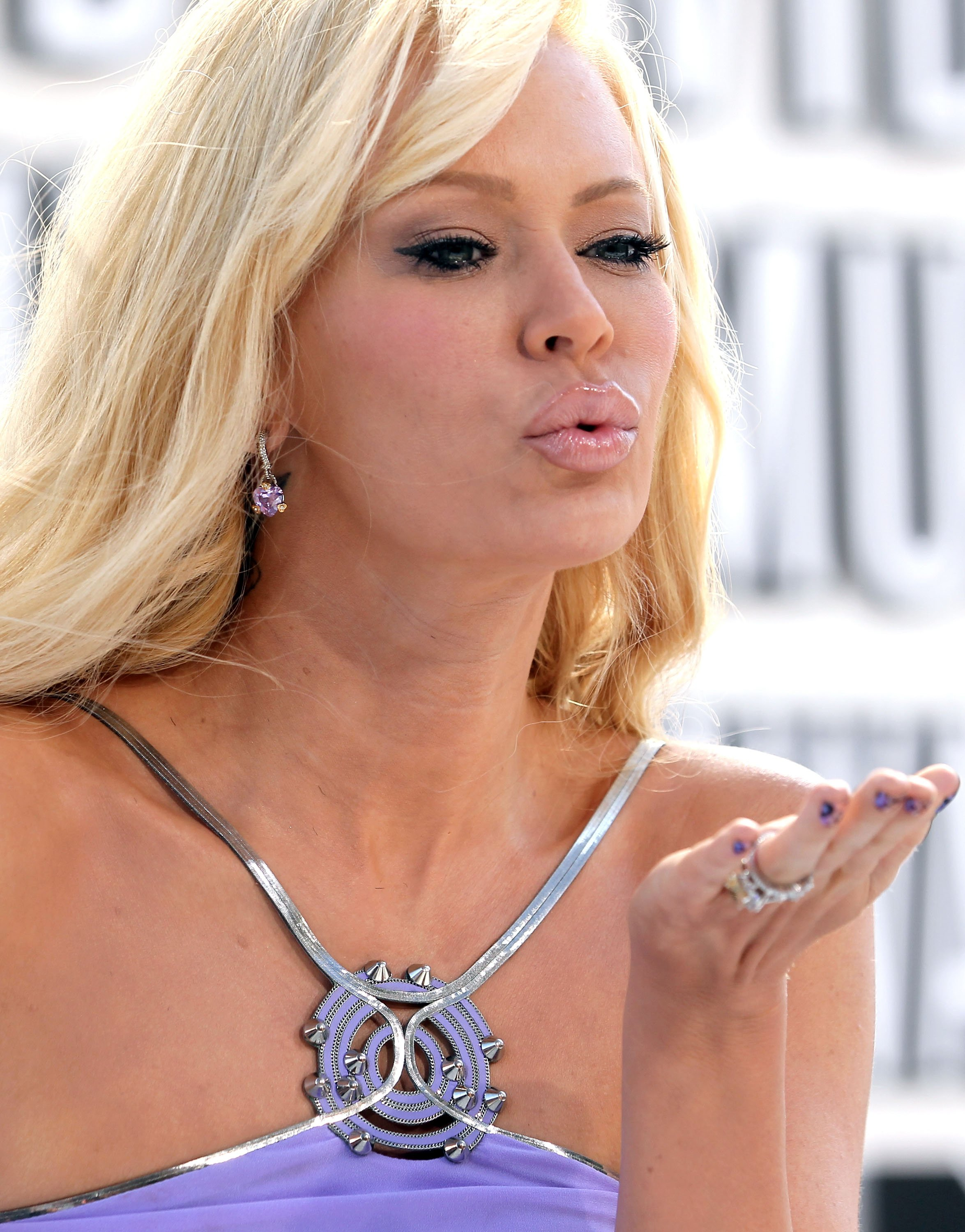 DC.Jenna Jameson.VMA2010 003 One of the most prominent female figures in the Black Panther Party was ...