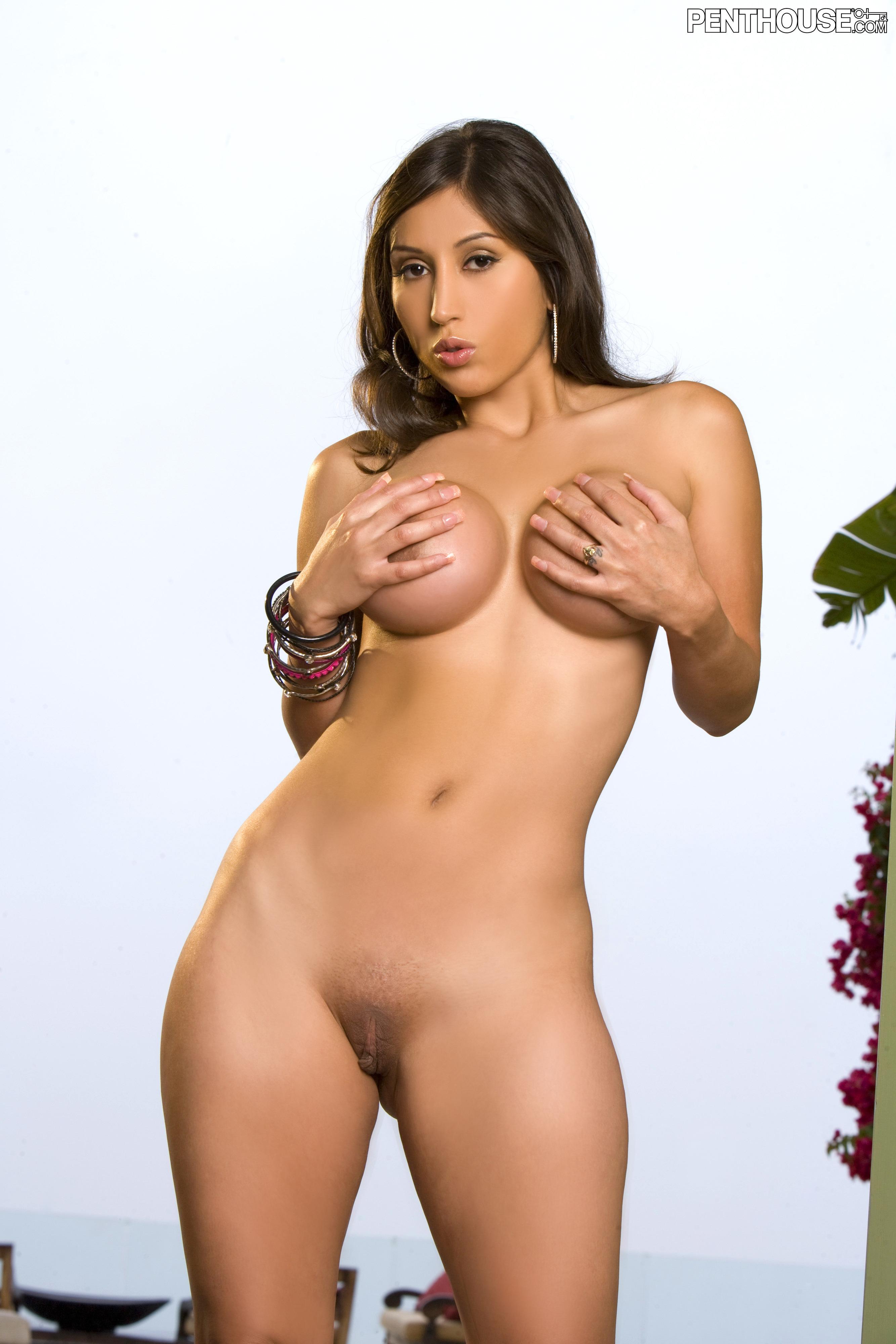 Alexis amore is back from a year off 7